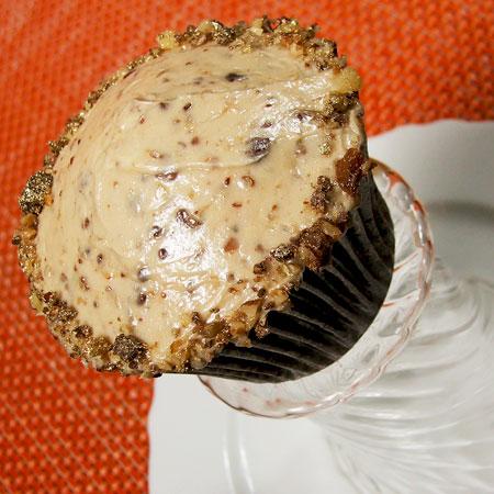 pumpkincupcake2_ptc.jpg